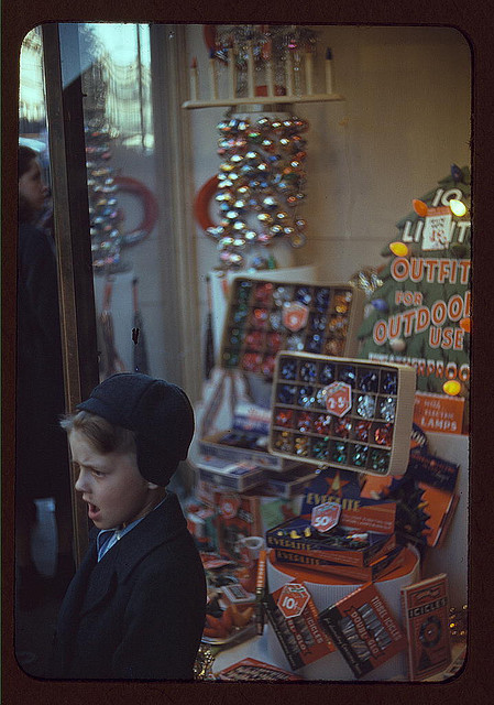 Christmas window display circa 1939
